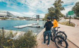 esprit velo-cyclistes-devant-canal
